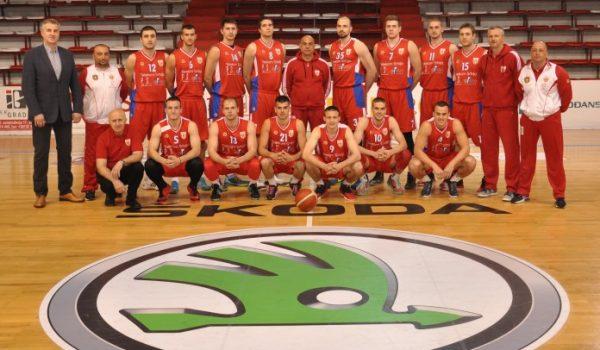 Pobjeda košarkaša Borca, stravična povreda Zvonara