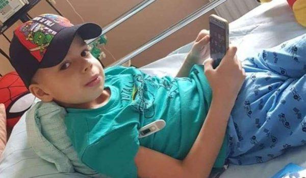 Mali Mak s osmijehom krenuo u borbu za život u istanbulskoj bolnici