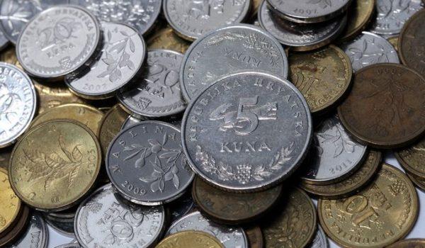 Kineskinja kupila automobil, platila u kovanicama: Radnici tri dana brojali novčiće