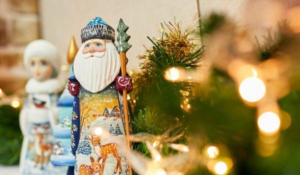 """Misteriozna potraga za Djeda Mrazom u predstavi """"Novogodišnja čarolija iz budućnosti"""""""
