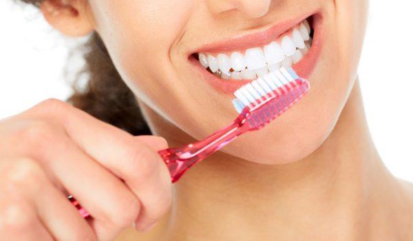 ! / Nauka napokon potvrdila: Ako ne perete redovno zube, uzrokujete probleme sa srcem