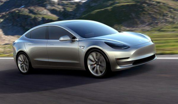 Tesla automobili će razgovarati sa pješacima