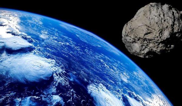 Ледени астероид пријети Земљи