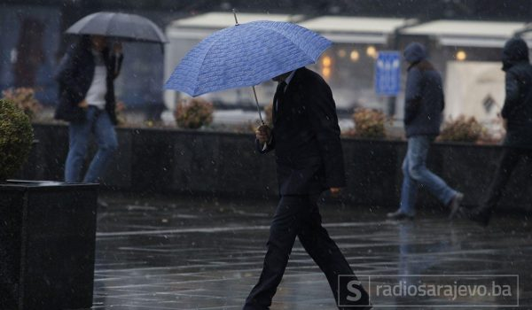 U Bosni kiša, na jugu sunčanije