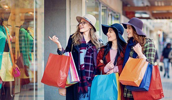 Најкритичнији су поруби и рајсфершлус: Шта треба да проверите када купујете одећу